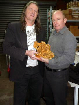 Gold buyers Rob Sielecki and Andy Comas with the worlds third largest nugget in existence